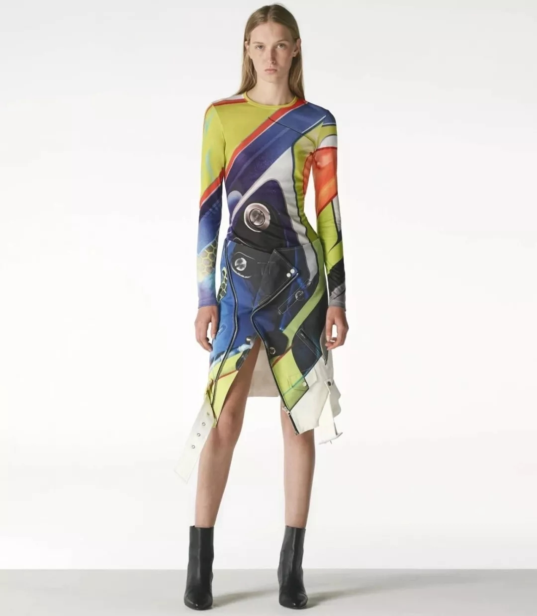 The 2019 spring and summer T-stage that is dominated by printed fabrics has no place to put on the personality!  (Image 6)