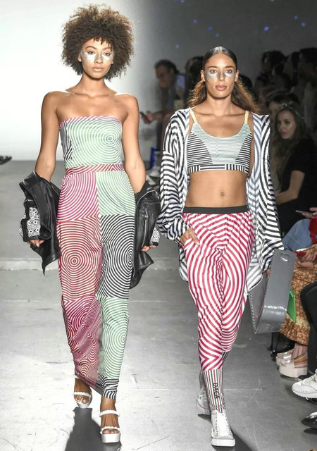 The 2019 spring and summer T-stage that is dominated by printed fabrics has no place to put on the personality!  (Figure 7)