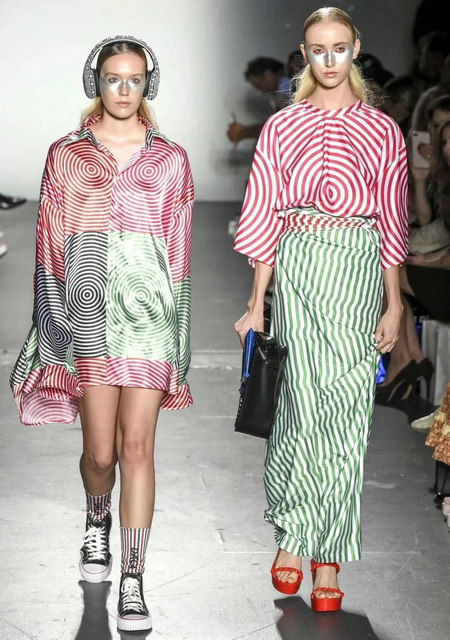 The 2019 spring and summer T-stage that is dominated by printed fabrics has no place to put on the personality!  (Figure 9)