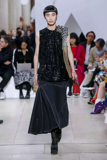 Fashionable early 2019 spring and summer fashion trend report (Figure 12)