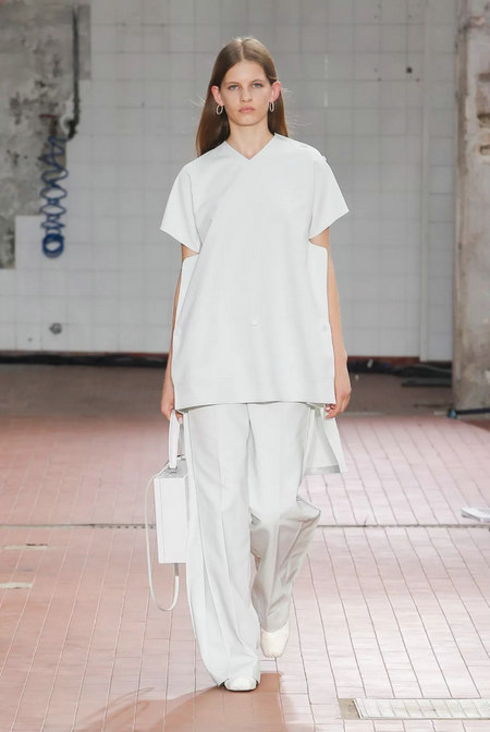 Fashionable early 2019 spring and summer fashion trend report (Figure 24)
